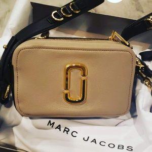 Marc Jacobs soft shot 21